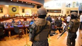 Presidente Bukele desafía al Congreso en El Salvador