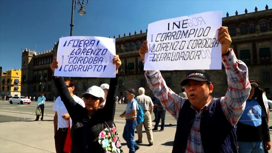 Mexicanos denuncian corrupción en el Instituto Nacional Electoral