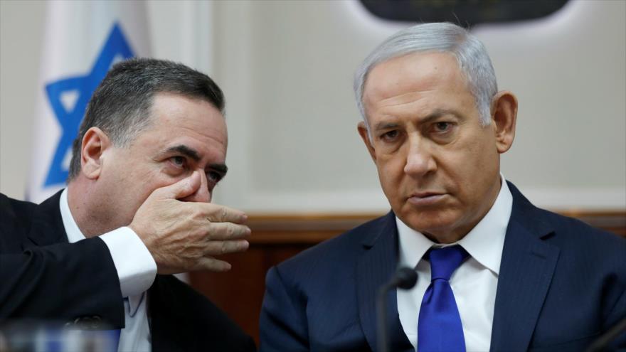 El premier de Israel, Benjamín Netanyahu, junto al canciller Yisrael Katz, durante una reunión en la ciudad de Al-Quds (Jerusalén). (Foto: AFP)