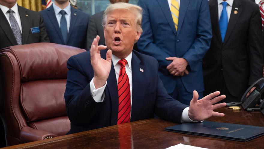 El presidente de Estados Unidos, Donald Trump, en la Oficina Oval de la Casa Blanca en Washington, 11 de febrero de 2020. (Foto: AFP)