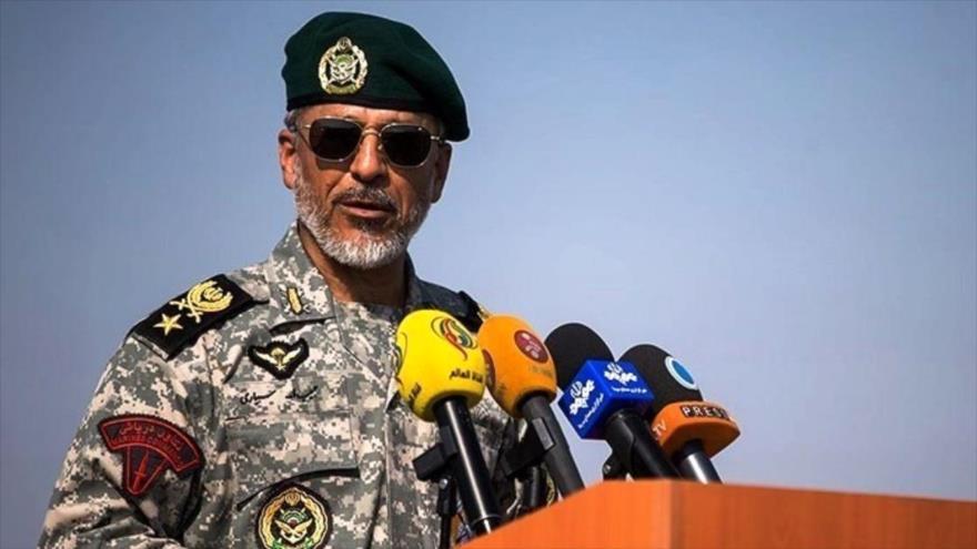 El coordinador adjunto del Ejército iraní, el contralmirante Habibolá Sayari.