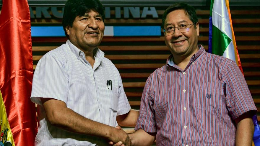 El depuesto presidente boliviano, Evo Morales (izq.) y el candidato presidencial boliviano por el MAS, Luis Arce, en Buenos Aires, 27 de enero de 2020. (Foto: AFP)