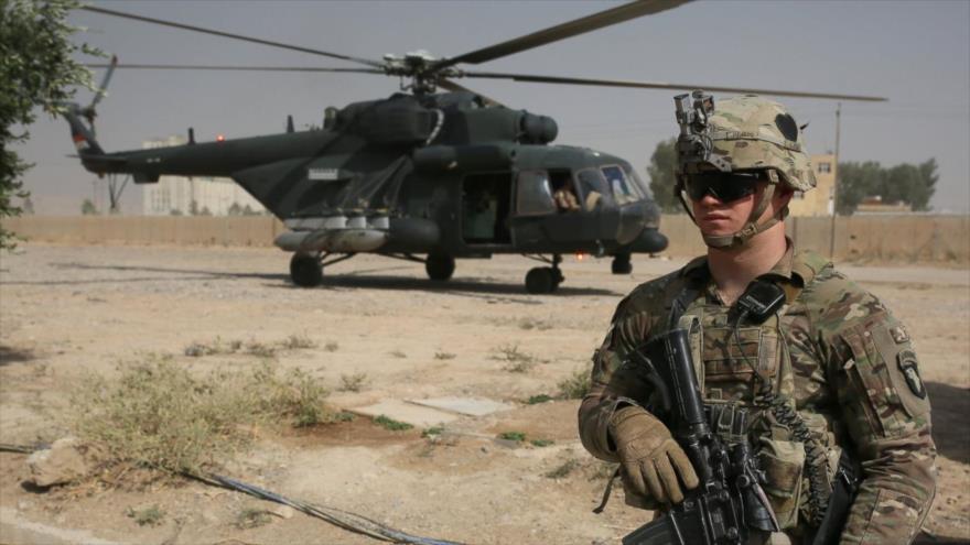 Los soldados estadounidenses abandonan su cuartel en Nínive con helicópteros para ir al distrito de Al-Kayyara y alrededor de Mosul, 19 de octubre de 2016.