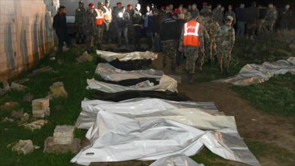 Vídeo: Fosa común de sirios ejecutados por terroristas en Guta