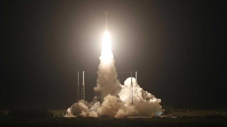 El cohete portador Atlas V con una nave espacial a bordo despega desde una base en Cabo Cañaveral, en California (EE.UU.), 20 de diciembre de 2019. (Foto: AFP)