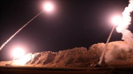 Irán dice haber preparado cientos de misiles contra bases de EEUU