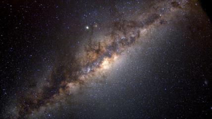 Astrónomos hallan signos de un raro agujero negro en Vía Láctea