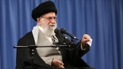 "Líder iraní considera a EEUU ""un Titanic que se está hundiendo"""