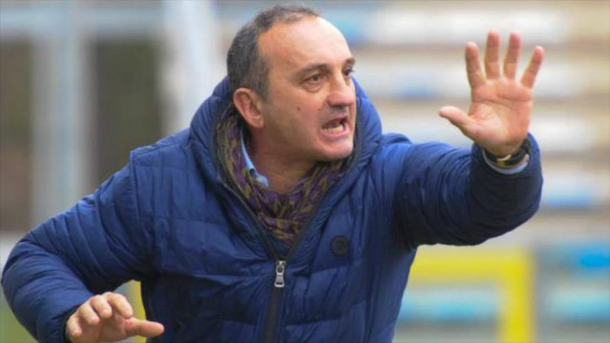 Vídeo: Árbitro expulsa a técnico italiano por atacar a un jugador