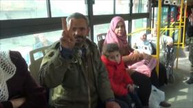 Los refugiados sirios regresan a su ciudad natal en Idlib