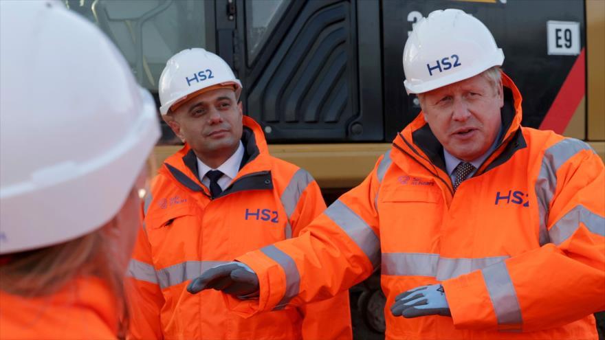 El primer ministro del Reino Unido, Boris Johnson, visita las obras del nuevo ferrocarril de Birmingham, 11 de febrero de 2020. (Foto: AFP)