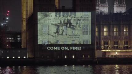 Proyectan sobre Parlamento británico video de crímenes de EEUU