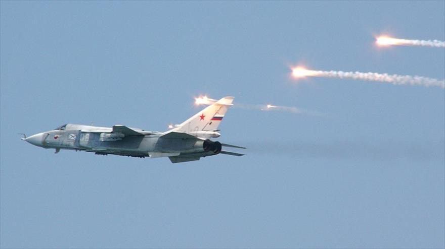 Vídeo: Avión Su-24 ruso esquiva misiles antiaéreos turcos en Idlib