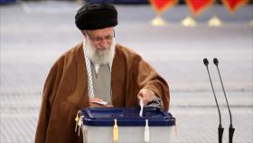 Líder iraní ejerce su derecho al voto en elecciones parlamentarias