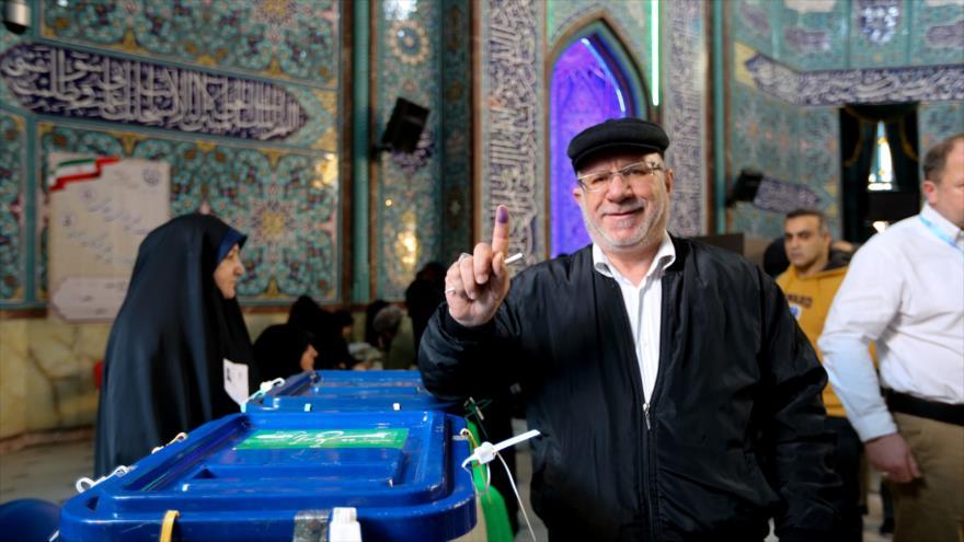 Comandante iraní: Cada voto es una bofetada en la cara del enemigo | HISPANTV
