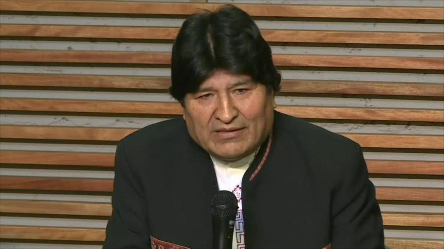 El depuesto presidente de Bolivia, Evo Morales, en una rueda de prensa emitida desde Buenos Aires, capital de Argentina.