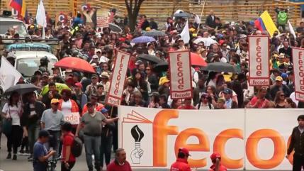 Docentes colombianos paran labores por 48 horas