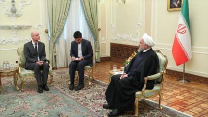 Rohani insta a la UE a condenar las sanciones de EEUU contra Irán