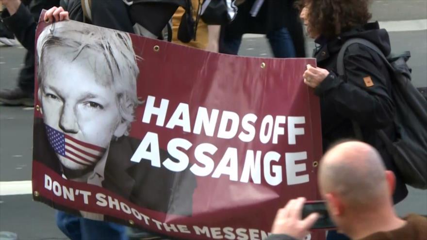 Cientos marchan en Londres contra extradición de Assange a EEUU