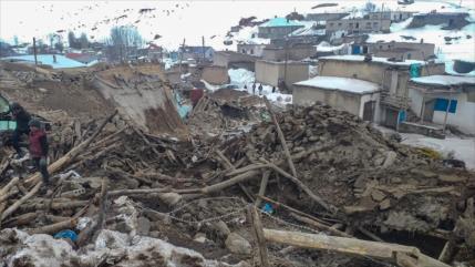 9 muertos y cientos de heridos por seísmo en frontera turco-iraní