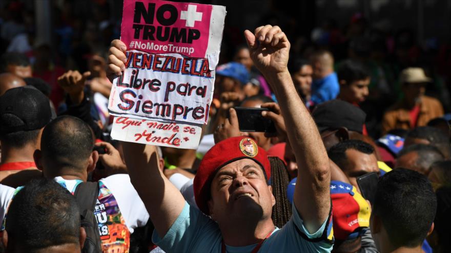 Venezolanos se manifiestan contra sanciones de EE.UU. en Caracas, 10 de febrero de 2020. (Foto: AFP)
