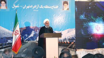 Rohani: El pueblo iraní no rogará al enemigo y no se rendirá