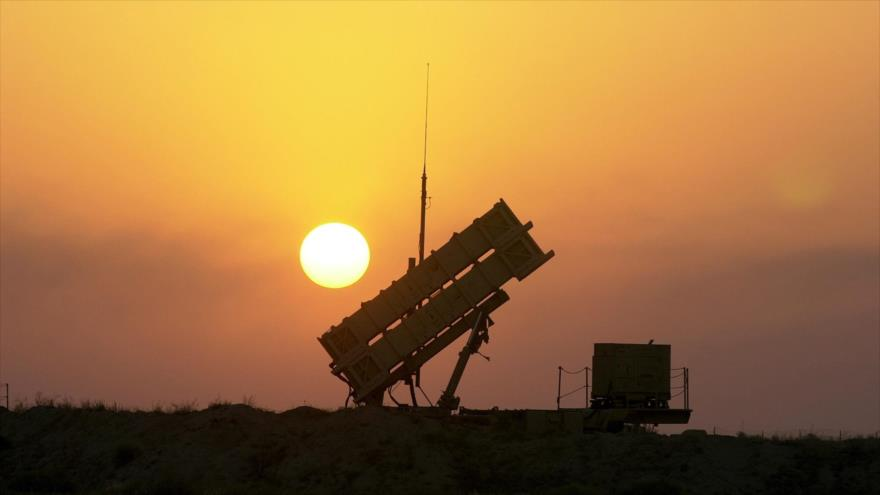 Una batería de sistema de defensa antimisiles Patriot, de fabricación estadounidense, desplegada en Arabia Saudí.