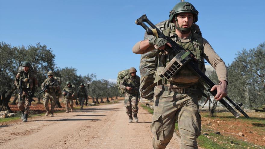 Ataques aéreos de Siria matan a unos 34 soldados turcos en Idlib