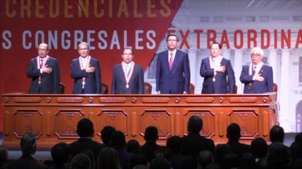JNE de Perú entrega credenciales a nuevos congresistas
