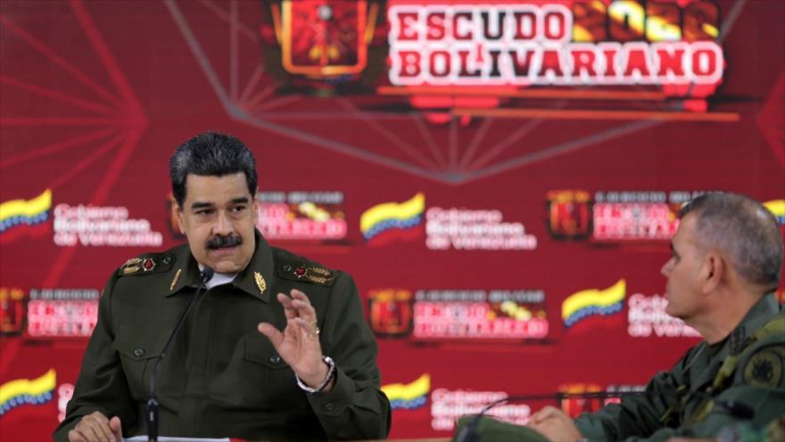 El presidente de Venezuela, Nicolás Maduro, en una reunión con miembros de las Fuerzas Armadas, en Caracas, la capital, 17 de febrero de 2020. (Foto: AFP)