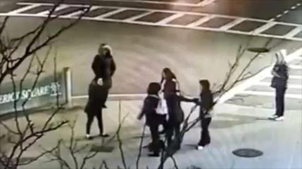 Video: Golpean a una madre y su hija en EEUU por hablar español