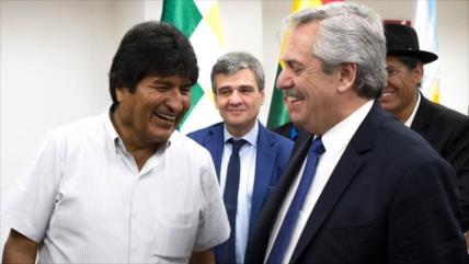 Fernández denuncia golpe en Bolivia y defiende triunfo de Morales