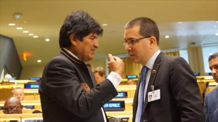 """Arreaza culpa a Almagro de muertos y """"golpe de Estado"""" en Bolivia"""