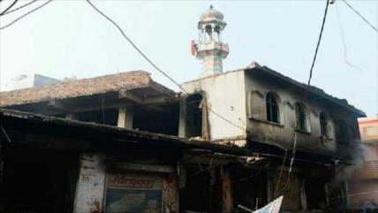 Vídeo: Hindúes incendian y profanan varias mezquitas en La India
