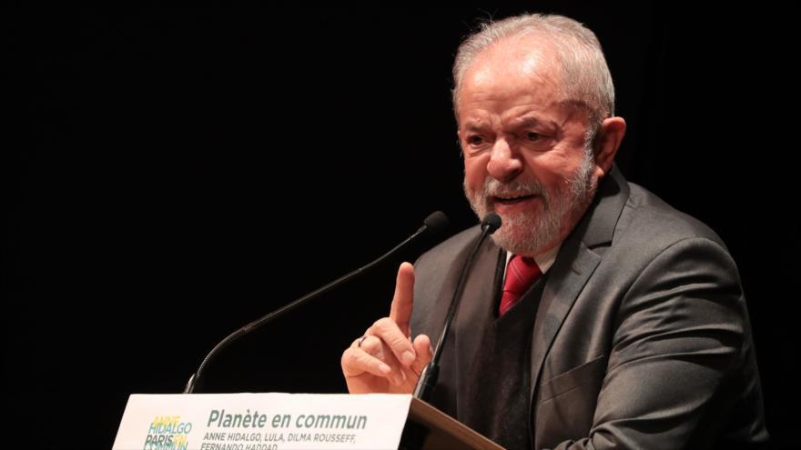 El expresidente brasileño, Luiz Inácio Lula da Silva, en un mitin electoral del alcalde de París, capital francesa, 2 de marzo de 2020. (Foto: AFP)