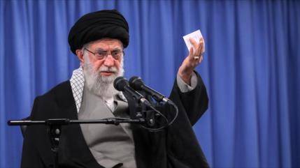 Líder de Irán condena violencia contra musulmanes en La India