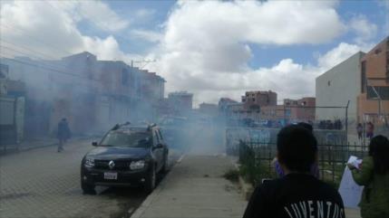 Vídeo: Policía boliviana reprime a manifestantes que piden justicia