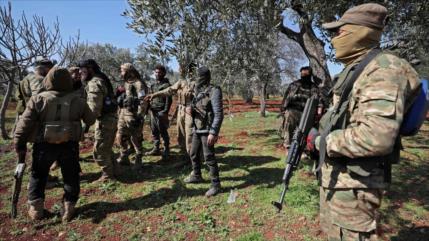 Turquía refuerza a 80 000 terroristas en Idlib contra Al-Asad