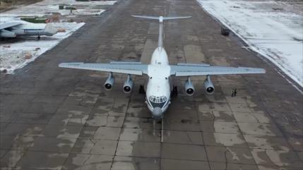 Vídeo: Ejército ruso convierte un avión de carga en un bombardero