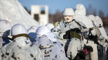 Putin traza plan de 15 años para reforzar poder militar en Ártico