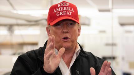 Trump visita los CDC pese a cancelación por temor de coronavirus
