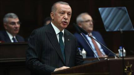 Erdogan defiende su agresión contra Siria tras el alto el fuego