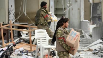 Terroristas proturcos siguen saqueando las propiedades de sirios