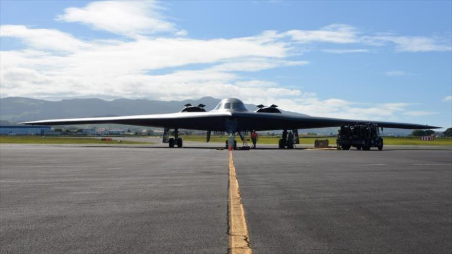 Un bombardero Spirit B-2 de la Fuerza Aérea de EE.UU. en la base aérea de Lajes, Portugal, septiembre de 2019.