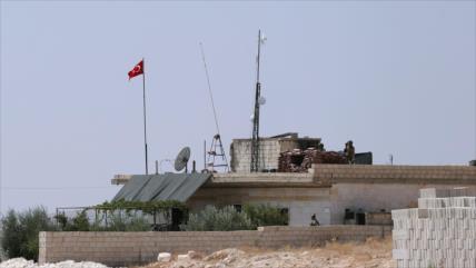 Turquía retira armas pesadas de sus puestos militares en Idlib