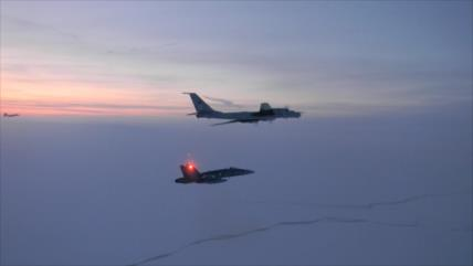 Cazas de EEUU y Canadá interceptan 2 aviones rusos frente a Alaska