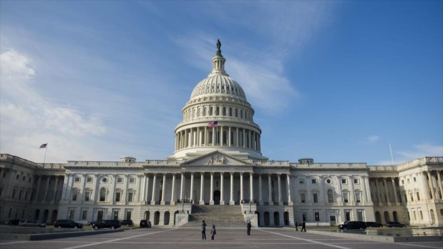 El Congreso de EEUU aprueba limitar el poder de Trump contra Irán