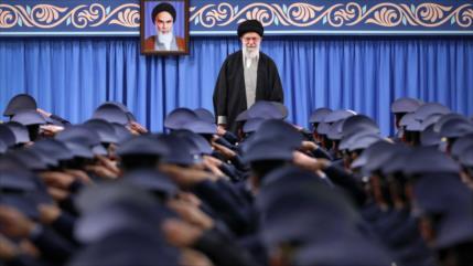 """Líder iraní ordena """"ejercicio de defensa biológica"""" ante COVID-19"""
