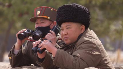 Líder norcoreano supervisa nueva ronda de ejercicios de artillería