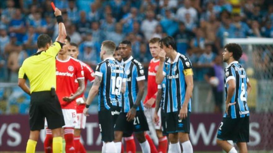 Vídeo: Expulsados 8 jugadores en un partido de Copa Libertadores